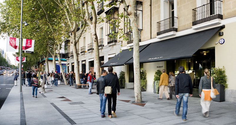 Shopping madrid a selection of the best fashion stores for Adolfo dominguez calle serrano 96